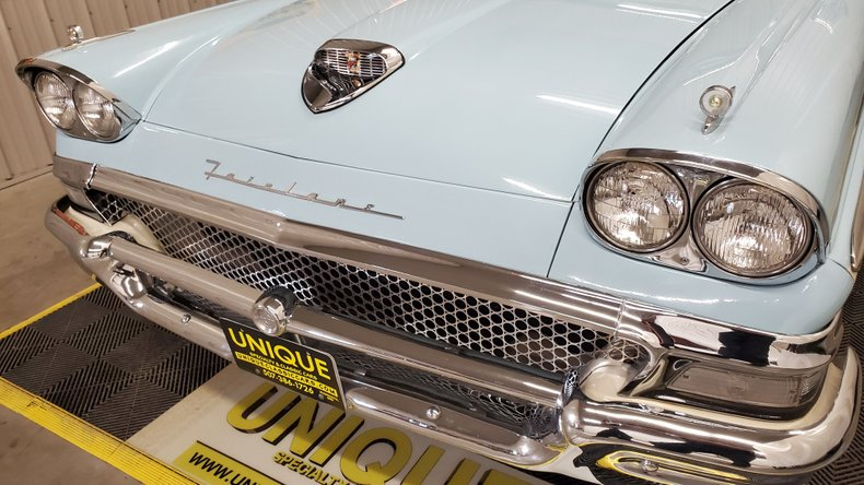 1958 Ford Fairlane 500 11