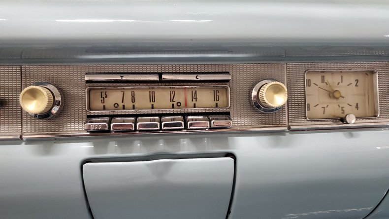 1958 Ford Fairlane 500 30