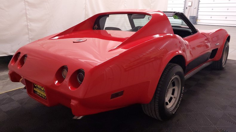 1976 Chevrolet Corvette 11
