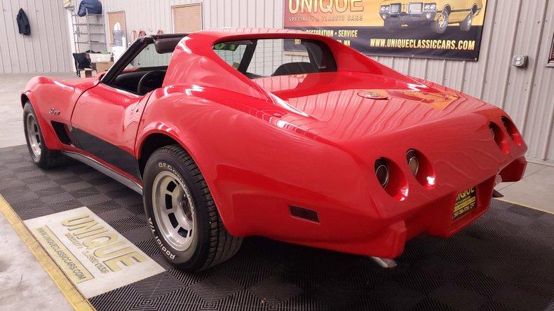 1976 Chevrolet Corvette 13
