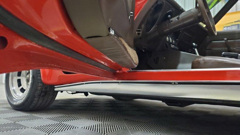 1976 Chevrolet Corvette 26