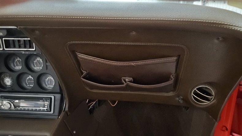1976 Chevrolet Corvette 43