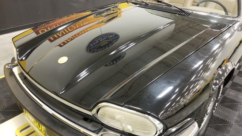 1992 Jaguar XJS V12 Convertible 11