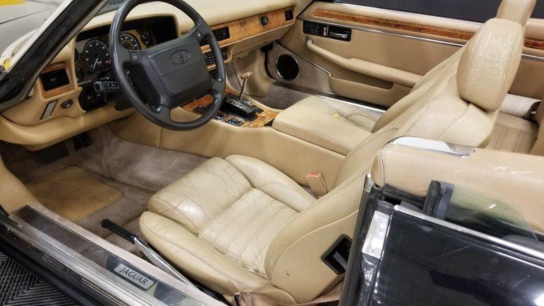 1992 Jaguar XJS V12 Convertible 30