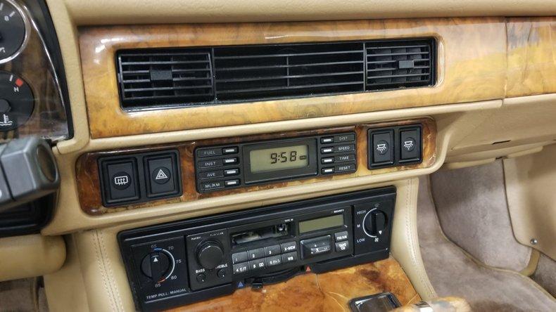 1992 Jaguar XJS V12 Convertible 39