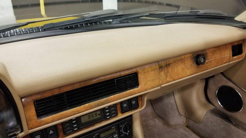 1992 Jaguar XJS V12 Convertible 42