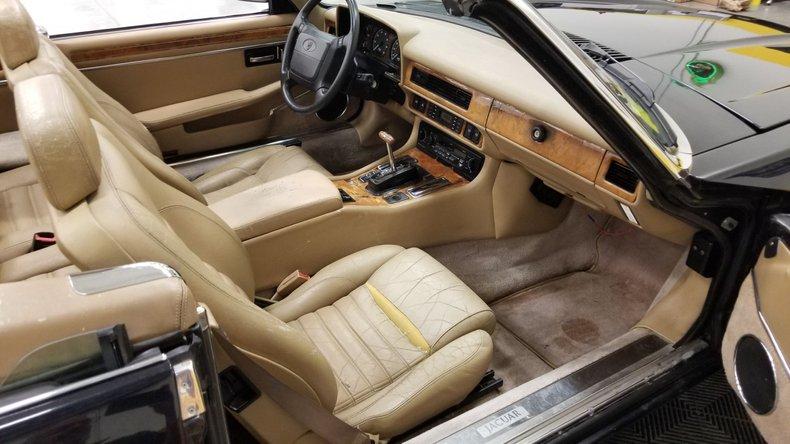 1992 Jaguar XJS V12 Convertible 45