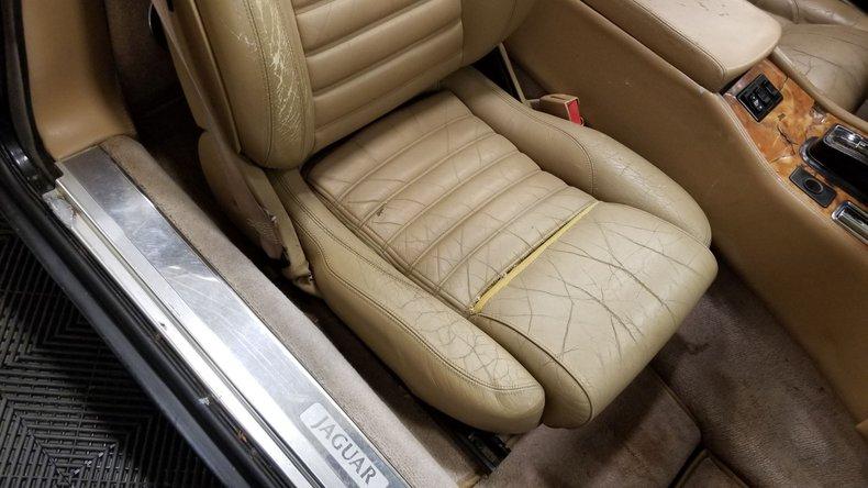 1992 Jaguar XJS V12 Convertible 48