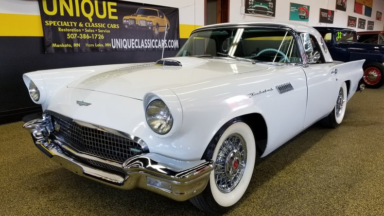 1957 Ford THUNDERBIR