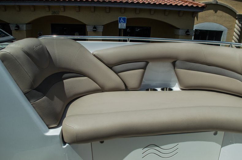 Thumbnail 10 for New 2015 Hurricane SunDeck SD 2400 OB boat for sale in West Palm Beach, FL