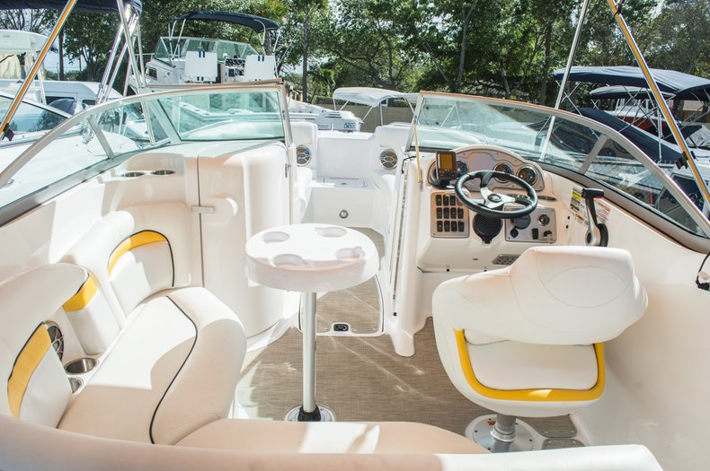 Thumbnail 48 for Used 2013 Hurricane SunDeck SD 2000 OB boat for sale in West Palm Beach, FL