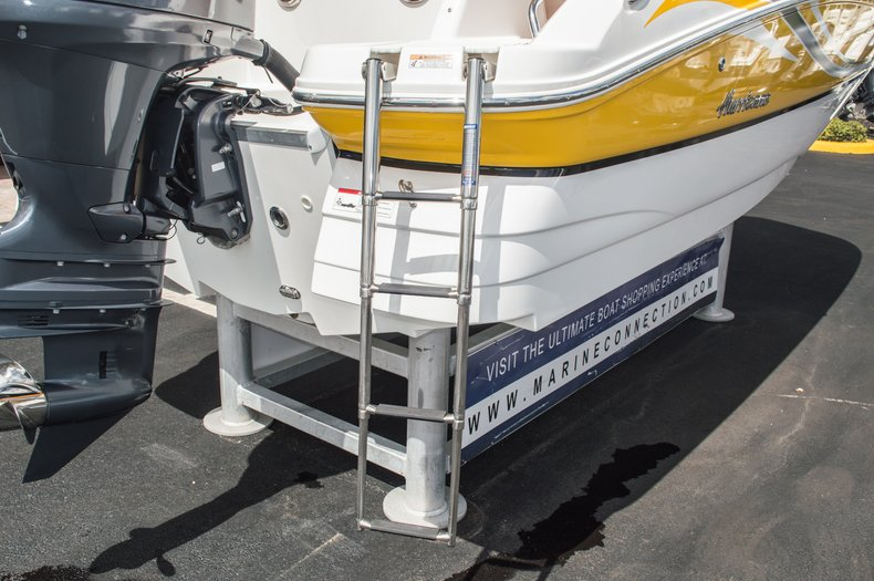 Thumbnail 12 for Used 2013 Hurricane SunDeck SD 2000 OB boat for sale in West Palm Beach, FL
