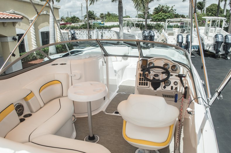 Thumbnail 13 for Used 2013 Hurricane SunDeck SD 2000 OB boat for sale in West Palm Beach, FL
