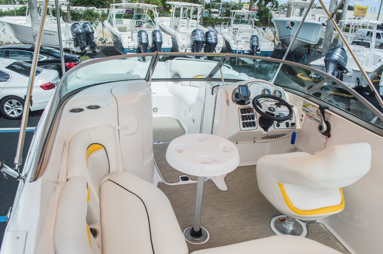 Thumbnail 14 for Used 2013 Hurricane SunDeck SD 2000 OB boat for sale in West Palm Beach, FL