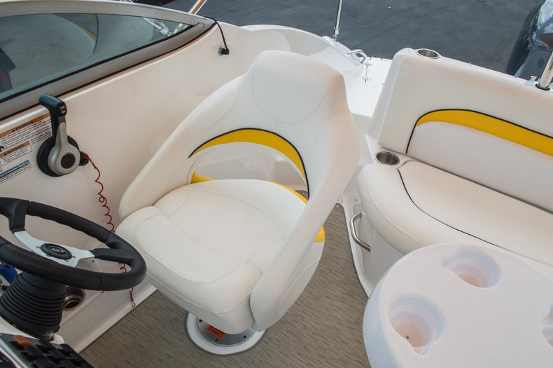 Thumbnail 32 for Used 2013 Hurricane SunDeck SD 2000 OB boat for sale in West Palm Beach, FL