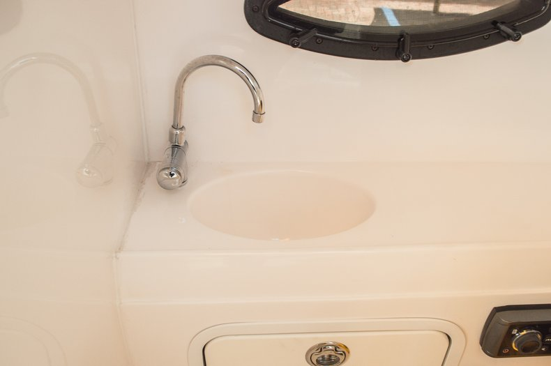Thumbnail 37 for Used 2013 Hurricane SunDeck SD 2000 OB boat for sale in West Palm Beach, FL