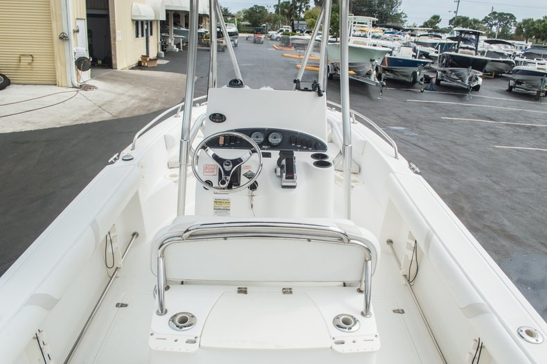 Used 2004 Boston Whaler 21 Outrage boat for sale in West Palm Beach