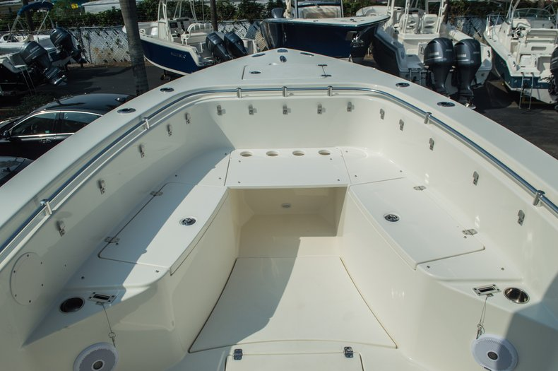 Thumbnail 16 for New 2015 Cobia 296 Center Console boat for sale in West Palm Beach, FL