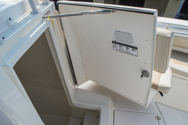 Thumbnail 39 for New 2015 Cobia 296 Center Console boat for sale in West Palm Beach, FL
