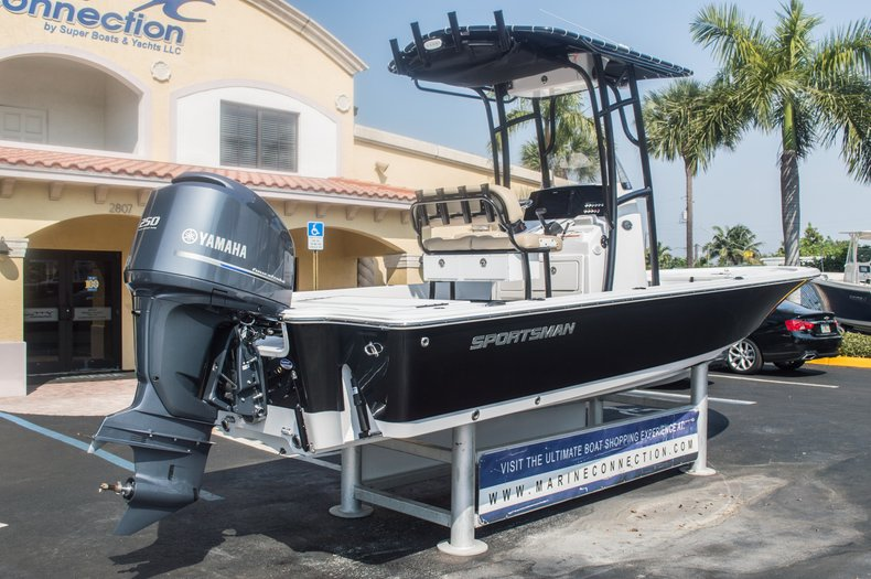 Thumbnail 9 for New 2015 Sportsman Tournament 234 Bay boat for sale in West Palm Beach, FL