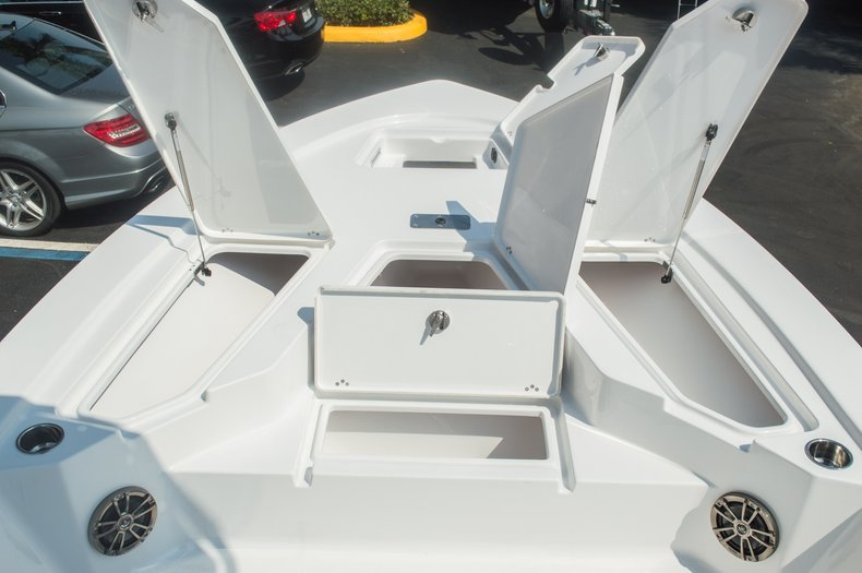 Thumbnail 35 for New 2015 Sportsman Tournament 234 Bay boat for sale in West Palm Beach, FL