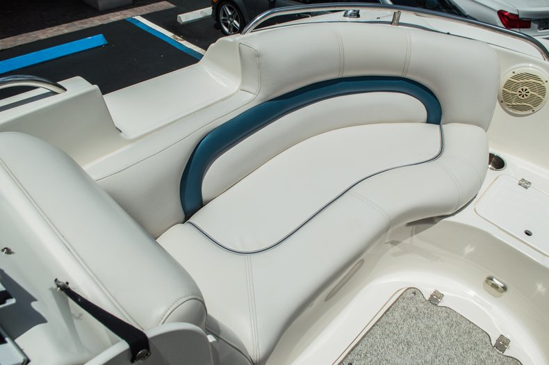 Thumbnail 23 for Used 2007 Hurricane Sundeck 257 DC boat for sale in West Palm Beach, FL