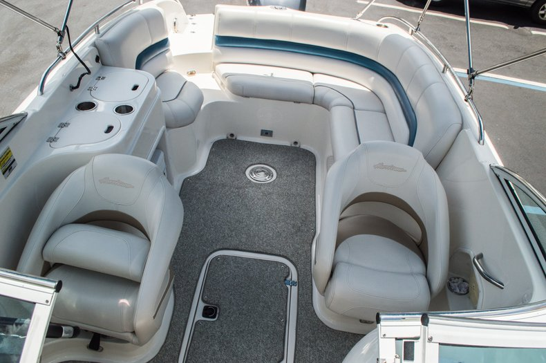 Thumbnail 30 for Used 2007 Hurricane Sundeck 257 DC boat for sale in West Palm Beach, FL