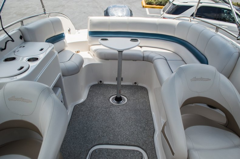Thumbnail 47 for Used 2007 Hurricane Sundeck 257 DC boat for sale in West Palm Beach, FL