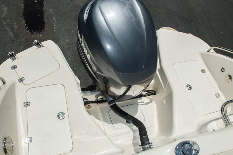 Thumbnail 62 for Used 2007 Hurricane Sundeck 257 DC boat for sale in West Palm Beach, FL