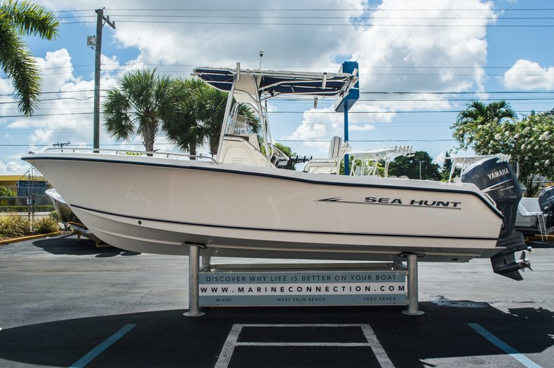 Used 2005 Sea Hunt 22 Triton Boat For Sale In West Palm