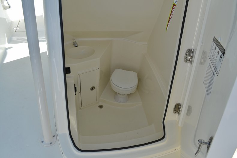 Thumbnail 18 for New 2015 Cobia 277 Center Console boat for sale in West Palm Beach, FL