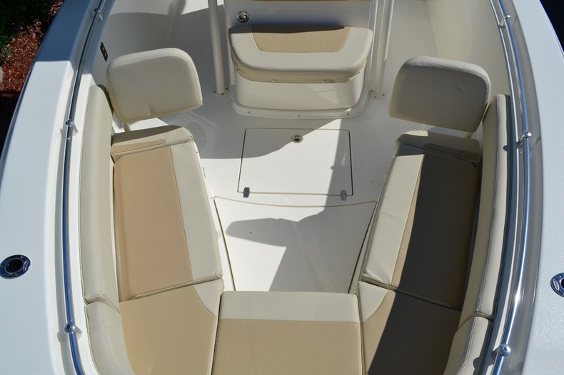 Thumbnail 16 for New 2015 Cobia 277 Center Console boat for sale in West Palm Beach, FL