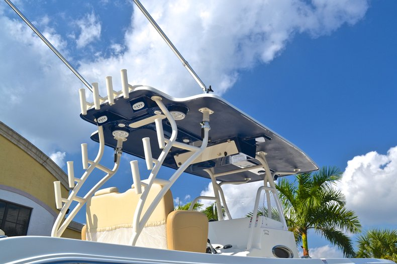 Thumbnail 19 for New 2013 Cobia 296 Center Console boat for sale in West Palm Beach, FL