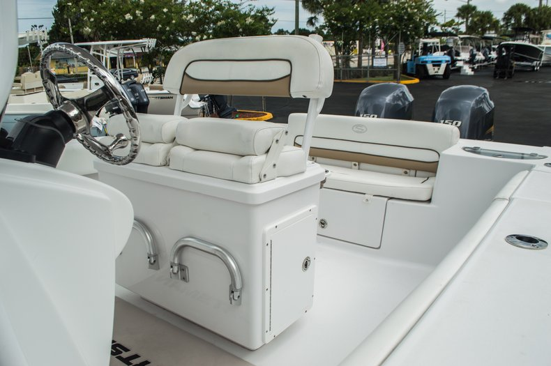 Thumbnail 32 for Used 2014 Sportsman Heritage 251 Center Console boat for sale in West Palm Beach, FL