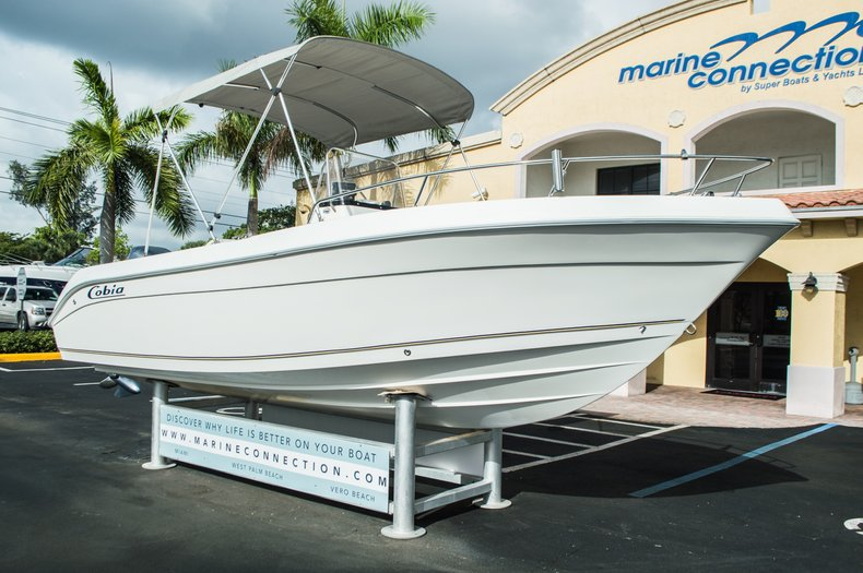 Thumbnail 1 for Used 2004 Cobia 214 Center Console boat for sale in West Palm Beach, FL