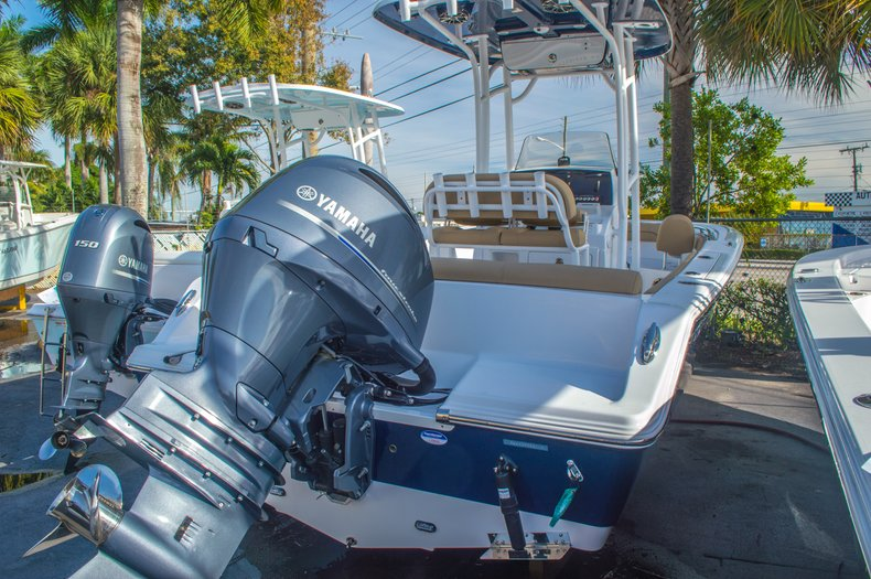 Thumbnail 1 for New 2016 Sportsman Heritage 211 Center Console boat for sale in West Palm Beach, FL