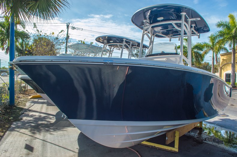 Thumbnail 2 for New 2016 Sportsman Heritage 211 Center Console boat for sale in West Palm Beach, FL