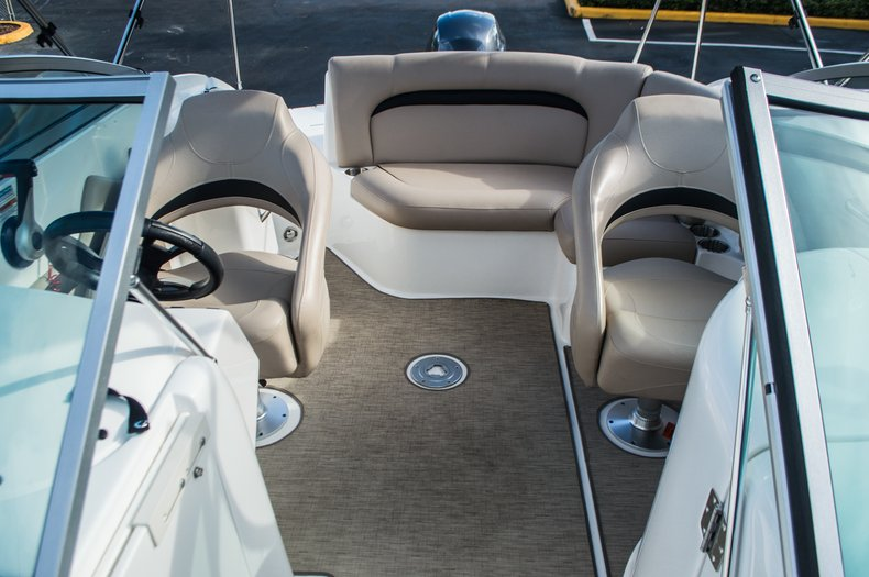 Thumbnail 15 for Used 2014 Hurricane SunDeck SD 2200 DC OB boat for sale in West Palm Beach, FL