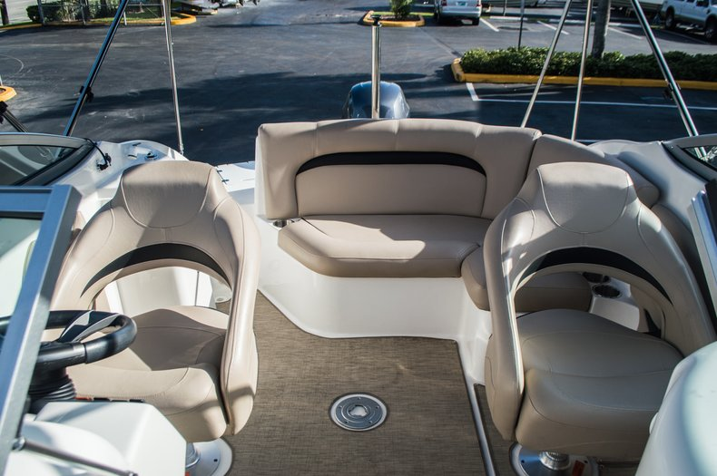 Thumbnail 42 for Used 2014 Hurricane SunDeck SD 2200 DC OB boat for sale in West Palm Beach, FL
