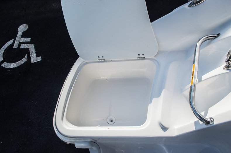 Thumbnail 45 for Used 2014 Hurricane SunDeck SD 2200 DC OB boat for sale in West Palm Beach, FL