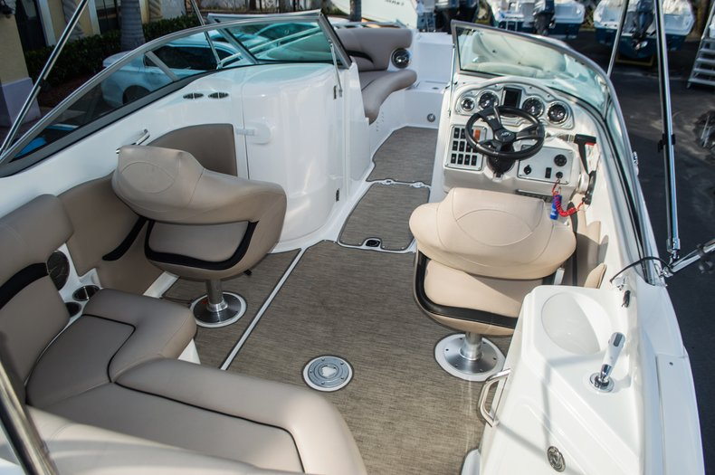 Thumbnail 46 for Used 2014 Hurricane SunDeck SD 2200 DC OB boat for sale in West Palm Beach, FL