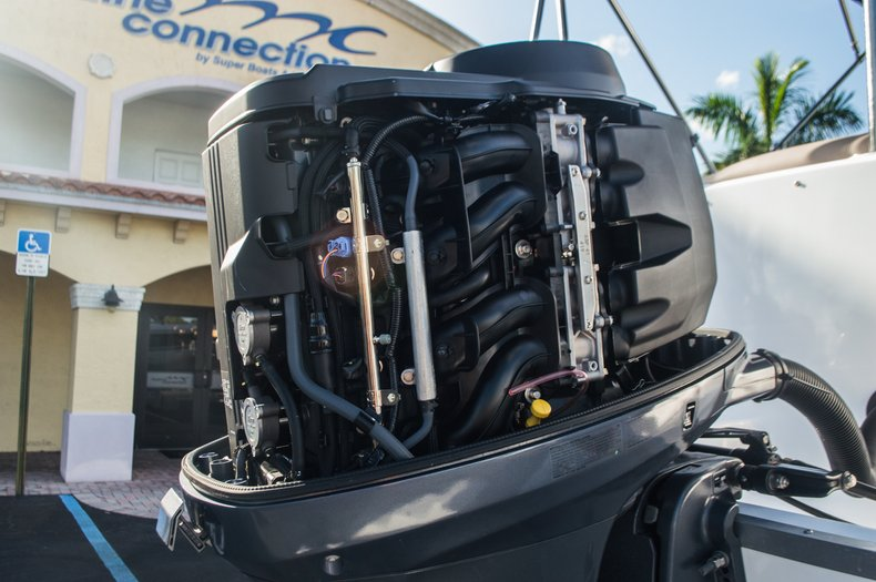 Thumbnail 54 for Used 2014 Hurricane SunDeck SD 2200 DC OB boat for sale in West Palm Beach, FL