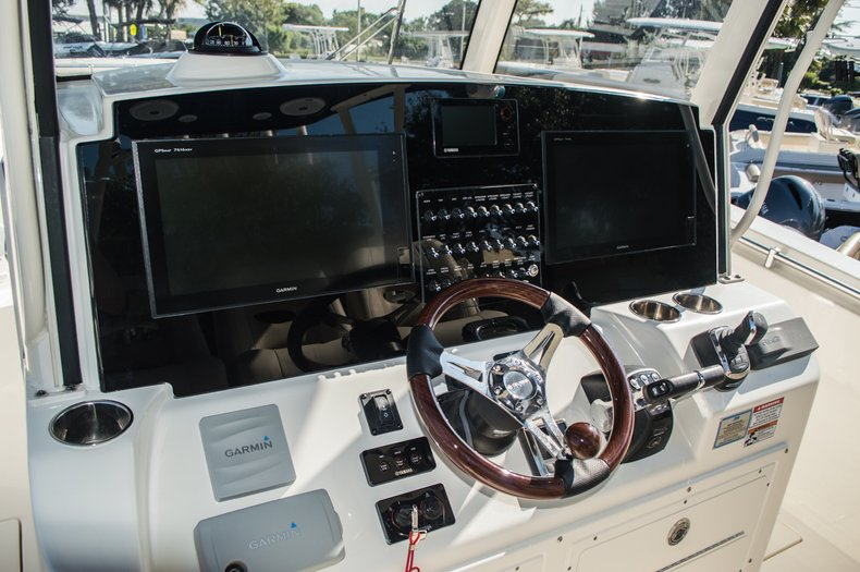 Thumbnail 21 for New 2016 Cobia 344 Center Console boat for sale in West Palm Beach, FL