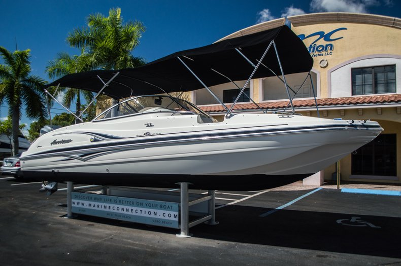 Thumbnail 1 for Used 2006 Hurricane SunDeck SD 237 OB boat for sale in West Palm Beach, FL