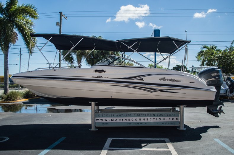 Thumbnail 4 for Used 2006 Hurricane SunDeck SD 237 OB boat for sale in West Palm Beach, FL