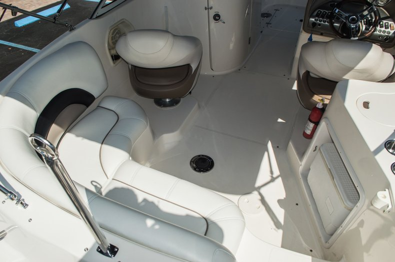 Thumbnail 10 for Used 2006 Hurricane SunDeck SD 237 OB boat for sale in West Palm Beach, FL