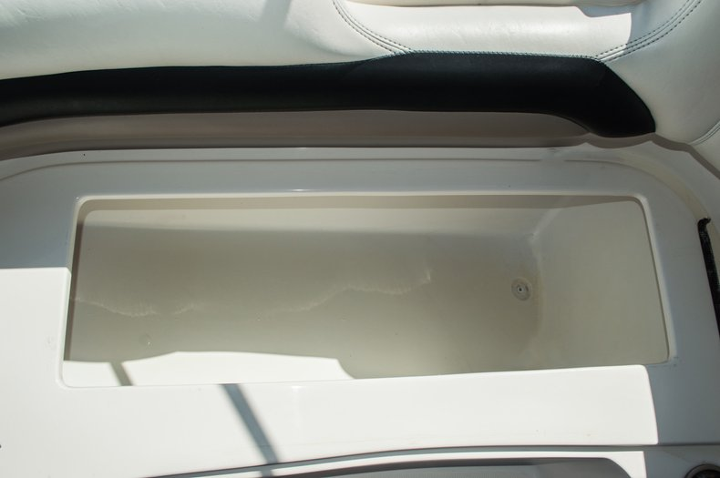 Thumbnail 17 for Used 2006 Hurricane SunDeck SD 237 OB boat for sale in West Palm Beach, FL