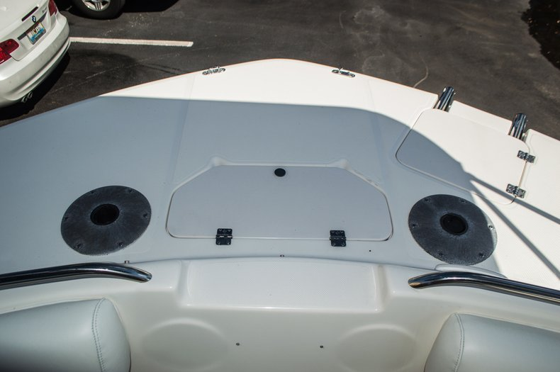 Thumbnail 18 for Used 2006 Hurricane SunDeck SD 237 OB boat for sale in West Palm Beach, FL