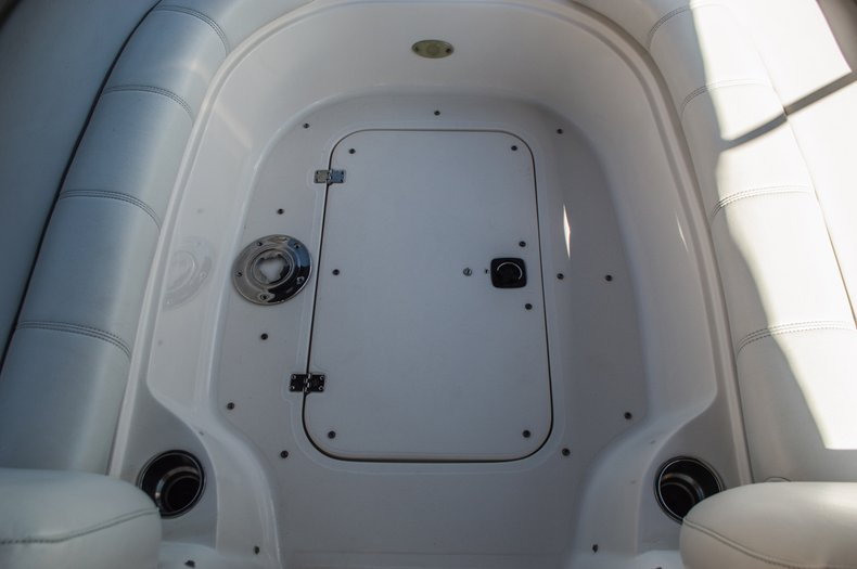 Thumbnail 24 for Used 2006 Hurricane SunDeck SD 237 OB boat for sale in West Palm Beach, FL