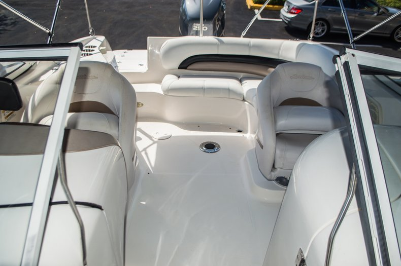 Thumbnail 26 for Used 2006 Hurricane SunDeck SD 237 OB boat for sale in West Palm Beach, FL